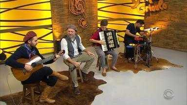 Márcio Roveira se apresenta no quadro 'Na Janela do Galpão' - Assista ao vídeo.
