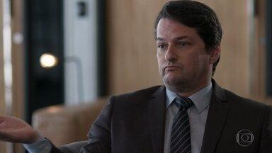 Malagueta garante ter sido enganado por Júlio e Agnaldo - O executivo afirma a Eric que sua amizade com os dois ladrões confessos esfriou após o ocorrido