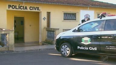 Três pessoas são sequestradas após assalto a uma em Batatais, SP - As vítimas foram liberadas na madrugada desta segunda-feira (11), próximo a Altinópolis, SP