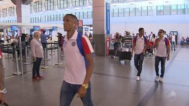 Bahia embarca para Goiânia para enfrentar o Atlético-GO; torcedor comenta - Confira as notícias do tricolor baiano.