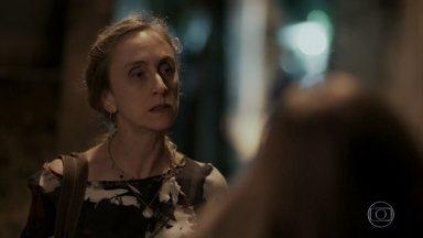 Jacy proíbe Carine de conversar com Rubinho - Ela teme que a sobrinha volte a ser agredida por Bibi