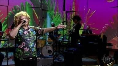 """Alcione canta """"Juízo Final"""" - A artista neste ano está celebrando 45 anos de carreira"""