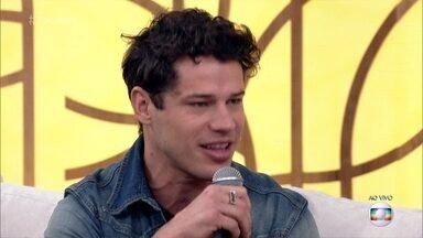 Regiane Alves e José Loreto falam sobre 'Cidade Proibida' - Atores contam que estão se divertindo na nova série