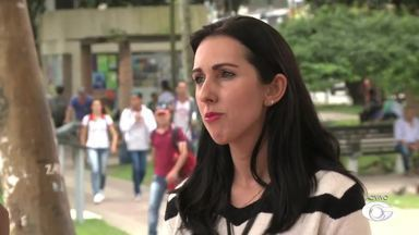 Ambulantes do Centro de Arapiraca passam por recadastramento - Objetivo é que todos os ambulantes da cidade se regularizem.
