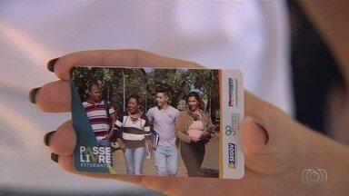 Estudantes reclamam que não receberam crédito do Passe Livre Estudantil, em Goiânia - Problema atinge vários alunos do estado.