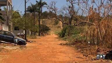 Moradores reclamam da poeira no Residencial Park Solar, em Goiânia - Alguns deles estão até adoecendo.