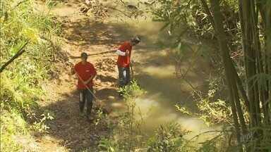 Secretaria de Meio Ambiente faz vistoria após derramamento de barbotina em Poços de Caldas - Secretaria de Meio Ambiente faz nova vistoria após derramamento de barbotina em Poços de Caldas