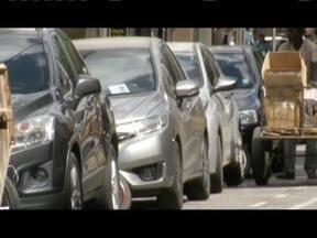 Parada em local proibido lidera número de infrações em Ipatinga - Cerca de 400 autuações, a cada 2 mil, são de paradas proibidas.
