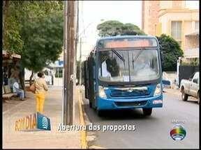 Prefeitura realiza abertura de envelopes na licitação do transporte coletivo - Processo definirá quem assume o serviço em Presidente Prudente.