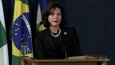 Raquel Dodge sinaliza prioridades além da Lava Jato, no MP - Ao tomar posse em substituição a Rodrigo Janot, a nova procuradora-geral da República mostrou compromisso com o combate à corrupção, mas não citou a Lava Jato.