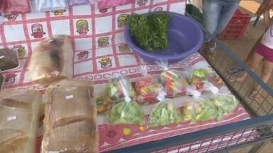 Produtores de Nova Londrina passam a contar com feira livre - Os produtores, agora, podem vender os produtos diretamente na feira livre, que passou a funcionar no distrito de Nova Londrina.