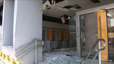 Bandidos explodem caixas eletrônicos em Codó - Bandidos explodiram caixas eletrônicos da agência do Banco do Brasil na madrugada desta terça-feira (19) e ninguém foi preso.