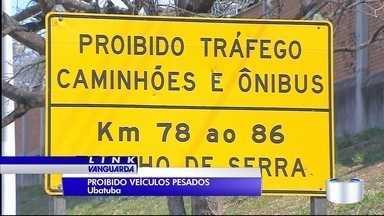 Motorista que dirigiu ônibus que caiu na ribanceira é solto - Ele pagou fiança de R$ 10 mil nesta segunda (18).