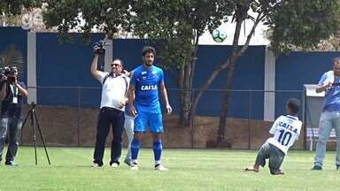 Toca da Raposa recebe visita de atleta paraolímpico - undefined