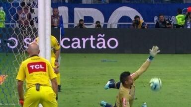 Perdeu! Diego bate o pênalti e Fábio pega - Perdeu! Diego bate o pênalti e Fábio pega
