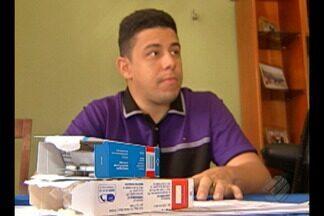 Paciente com doença rara pede ajuda para conseguir medicamento - Nem com ordem judicial o paciente conseguiu o remédio que custa cada frasco 20 mil reais.