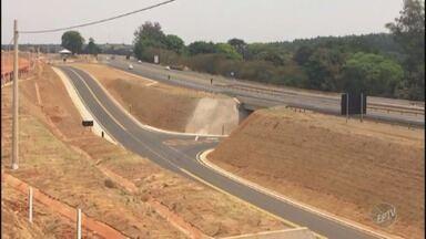 Novo trecho de vias marginais é inaugurado na Rodovia Monsenhor Clodoaldo Paiva em Itapira - Rodovia liga as cidades de Socorro, Lindóia, Itapira, Mogi Mirim, Engenheiro Coelho, Limeira e Piracicaba.