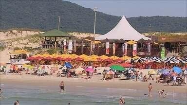 Nova portaria dá autonomia para prefeituras administrarem praias no verão - Nova portaria dá autonomia para prefeituras administrarem praias no verão