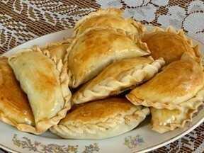 Saborosas, Empanadas Argentinas levam carne moída no recheio - Receita é ensinada pela empresária Adriana Samacoits, de Santo Anastácio.