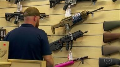 Chacina reabre debate sobre facilidade com que americanos compram armas - Cerca de 300 milhões de armas estão em mãos de civis nos EUA. Direito é garantido pela Segunda Emenda à Constituição americana.