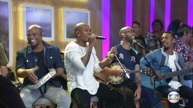 Turma do Pagode canta 'Cobertor de Orelha' - Clipe da música tem milhões de visualizações na internet