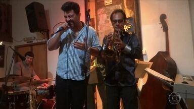 Tárcio Cardo faz show neste sábado - Cantor faz tributo a Emílio Santiago