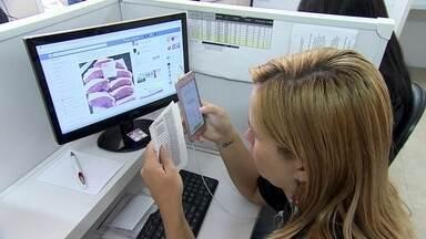 Frigorífico vende carne para churrasco por meio de aplicativo - Após ver o faturamento cair com o atacado, o sócio de um frigorífico teve a ideia de vender a carna por um aplicativo de mensagem.