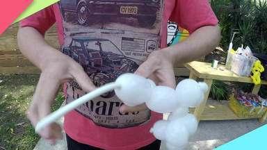 Esculturas com balões dão aquele charme na decoração de qualquer evento - Julim Palhaço mostra como fazer.