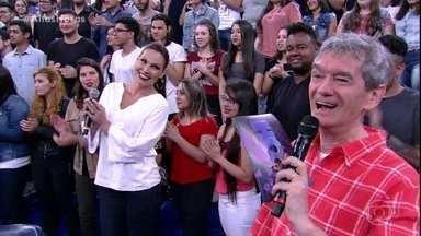 Altas Horas - programa de 14/10/2017, na íntegra - O programa desse sábado recebe Anavitória, Latino, Welder Rodrigues, Agatha Moreira e Jonathan Azevedo. Confira!