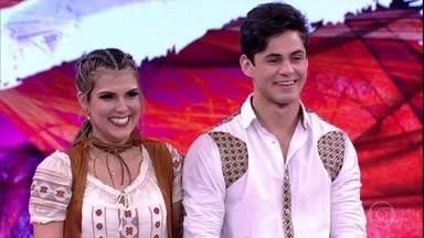 Jurados elogiam a apresentação de Lucas Veloso e Nathália Melo - Dupla recebe boas notas