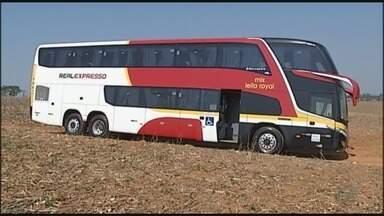 Passageiros de ônibus sofrem assalto no Triângulo Mineiro - Passageiros de ônibus sofrem assalto no Triângulo Mineiro