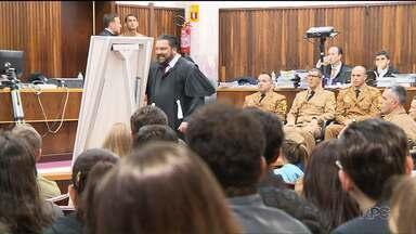 Ministério Público recorreu da decisão que absolveu treze policiais militares - Os policiais eram acusados de matar cinco suspeitos de roubar um carro em Curitiba, em 2009.