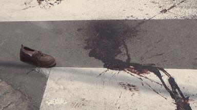 Mulher é ferida por bala perdida durante perseguição policial no AM - Dois homens, que teriam roubado mercadinho no bairro São Raimundo, foram presos.