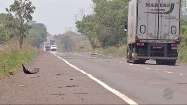 BR-262 é apontada pelo DNIT com uma das mais perigosas de MS - Motoristas que passam por Mato Grosso do Sul enfrentam buracos e falta de acostamento em algumas rodovias. A BR-262 é considerada uma das mais perigosas.