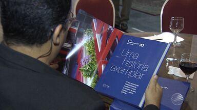 """Livro em comemoração aos 70 anos da Fecomércio é lançado em Salvador - A obra foi intitulada de """"Uma História Exemplar"""". Veja como foi o evento."""