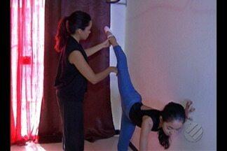 Depois de vender chopp para custear passagem, mãe comemora aprovação da filha no Bolshoi - A paraense conseguiu ingressar na melhor escola de balé do mundo.