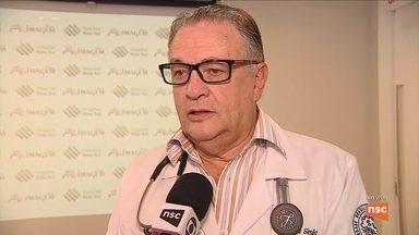 Governador de SC é internado em hospital de Florianópolis - Governador de SC é internado em hospital de Florianópolis