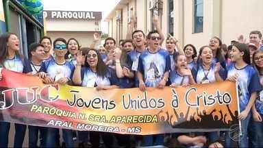 Fátima do Sul recebe participantes da jornada diocesana da Igreja Católica - No fim de semana uma turma grande e animada se encontrou em Fátima do Sul na jornada diocesana da Igreja Católica.