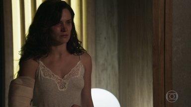 Clara confronta Gael e afirma que não vai aceitar novas agressões - Filho de Sophia pede perdão e sua esposa o questiona sobre crises de ciúmes