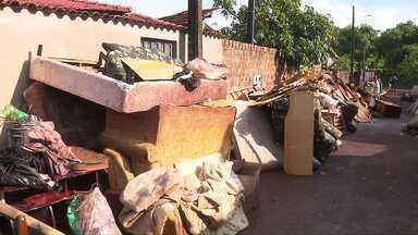 Prefeitura de Cambará decreta situação de emergência por causa dos estragos da chuva - A chuva forte dos últimos dias deixou muitos estragos por lá, várias famílias perderam tudo.
