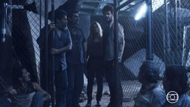 Contato Imediato - Equipe de resgate tenta contato com sobreviventes. Ilana reconhece que Newton estava certo. A imprensa chega em massa.