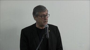 Ministro diz que comandantes da PM do RJ são sócios do crime organizado - Torquato disse que Pezão e o secretário de Segurança não controlam a PM e que comando da corporação faz acerto com deputado e o crime organizado.
