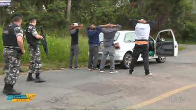 BOPE faz grande operação em Curitiba - Vários carros e ônibus foram parados e vistoriados.