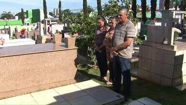 150 mil pessoas devem visitar os cemitérios de Cascavel neste dia de finados - Nos cemitérios estão sendo realizadas missas e cultos ao longo do dia.