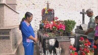Cemitérios do Sul de Minas ficam movimentados no Dia de Finados - Cemitérios do Sul de Minas ficam movimentados no Dia de Finados