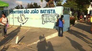 Dia de Finados movimenta cemitérios de Aracaju - Dia de Finados movimenta cemitérios de Aracaju.