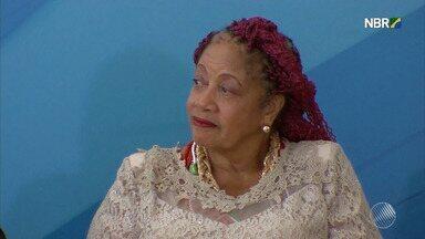 Ministra baiana Luislinda Valois desiste de reivindicar pagamento por acúmulo de salário - Ela queria que fossem pagos os salários de ministra e desembargadora aposentada e chegou a comparar a situação dela ao trabalho escravo.