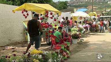 Túmulo de Dominguinhos é um dos mais visitados em Garanhuns - Cidade conta com dois cemitérios