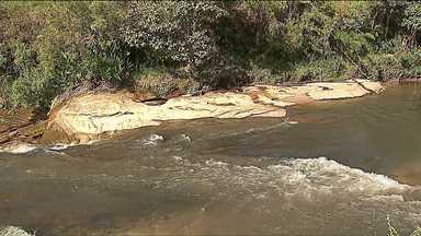 Pelo menos duas mortes por afogamento são registradas durante o feriado no Paraná - Em Ponta Grossa, um homem morreu afogado ao salvar o filho, que caiu em um rio.