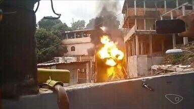 Vídeo mostra explosão de kombi, em Vitória - Nove casas foram atingidas. Uma delas continua interditada.